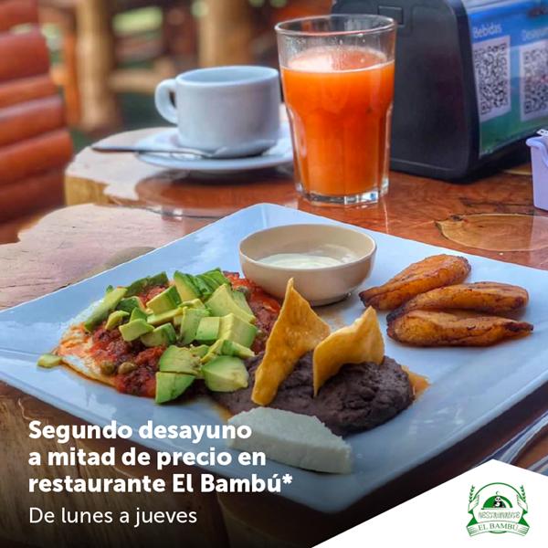 Foto de Segundo desayuno a mitad de precio en restaurante El Bambú.